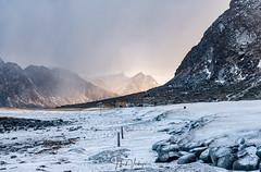 Utakleiv - Lofoten (Henk Verheyen) Tags: lofoton noorwegen norway winter buiten landscape landschap outdoor sneeuw vestvågøy nordland no utakleiv beach sea snow sun cloud wolken