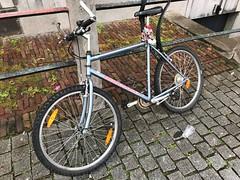 IMG_0128 (De avonturen van de Argusvlinder) Tags: gevonden gevondenvoorwerp lostfound cingelstraat breda fiets bakfiets