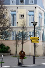 Lost in Paris (Edgard.V) Tags: paris parigi streetart mural irban otbano arte art trompeloeii trompelœil urban urbano callejero finzione