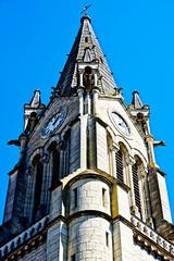Entre ombre et lumière (Garry Shu) Tags: france french province eglise church architecture street streetphotography art instagram nikon d750 nikond750 sky blue ciel bleu light shadow nikkor