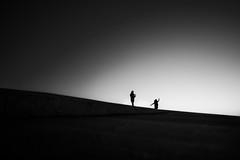 a good pose, that's what it's all about. (Hendrik Lohmann) Tags: streetphotography street menschen minimalism urban urbanart people portugal lisboa lissabon lisbon love pose nikon nikondf nikonphotographer sunset blackandwhite bwstreet bnw bw