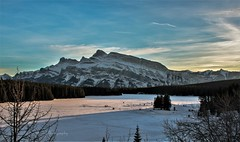 Skate (Pbreezer) Tags: ice skate twojack lake outdoor outdoorphotography nature naturephotography nationalparkcanada nationalpark banff bluesky travelalberta alberta