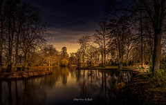 Landgoed De Haar 2019 (EBoss Fotografie) Tags: landscape light outdoors pond colors dark shadow water reflection canon dehaar nederland holland haarzuilens tree park wood serene nl nature luminar soe twop utrecht supershot