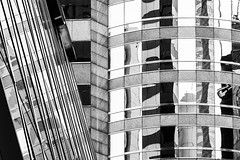 Lines IV (*Capture the Moment*) Tags: 2017 central exchangesquare hongkong hongkongisland reflection reflections reflexion sonynex7 zeissbatis1885 monochrome schwarzweiss