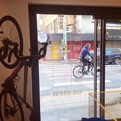 #raphataipei #raphataiwan  #commute #commuter #bike #cycle #urbancycling #urbancyclist #urbancycle #taipei #taiwan #Bicycle #自行車 #單車通勤 (funkyruru) Tags: raphataipei raphataiwan commute commuter bike cycle urbancycling urbancyclist urbancycle taipei taiwan bicycle 自行車 單車通勤