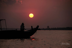 Look the sun (fredericpecheux) Tags: sun sunrise boat river mekong vietnam asia asie canon cantho delta landscape happyplanet asiafavorites
