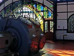 In der Maschinenhalle (hann64) Tags: maschinenhalle lichtstimmung