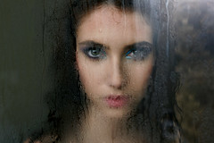 Thaís Nascimento (Khun_K) Tags: portrait portraiture beauty beautiful beautifulgirl beautifulwoman waterdrops eyes greeneyes