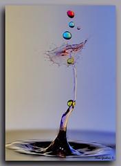 IMG_64427 (ig1208) Tags: macro waterdrops color red blue