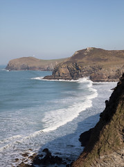 Lundy Bay, North Cornwall (Mukumbura) Tags: coast lundybay cornwall kernow cliffs waves sea ocean february weather record temperature sunshine warmth