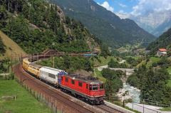 Postzug (maurizio messa) Tags: postzug mau bahn ferrovia re44ii re44 nikond7100 gottardo gotthard uri alps alpi treni trains railway railroad switzerland svizzera 50921