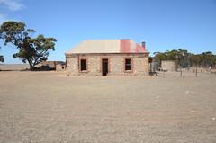DSC_9669 abandoned farmhouse, corner Fischer & Eichler Roads, Milendella, South Australia (johnjennings995) Tags: abandoned farmhouse milendella southaustralia australia