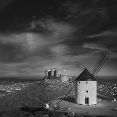 Molino de Consuegra (RodionR) Tags: bn bw blancoynegro biancoenero noiretblanc monocormo mononchrome monotone black white molino castillo consuegra