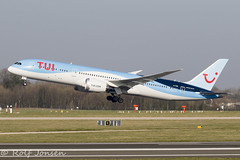 G-TUIK Boeing 787-9 TUI Manchester airport EGCC 27.02-19 (rjonsen) Tags: plane airplane aircraft aviation airliner takeoff departure airside runway dreamliner
