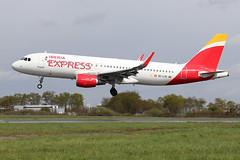 Airbus A320-216(WL) Iberia Express EC-LYE (Niko Hpx) Tags: airbus airbusa320216wl iberiaexpress eclye a320216wl 320216wl a320200wl 320200 320216 a320200 a320216 sharklets sharklet msn5729 cn5729 fwwiz cfmicfm565b63 cfmi cfm565b63 cfminternational i2 ibs a320 i23650 ibs3650 landing attérissage lfrn rns rennessaintjacques rennes sun sunyday runway lowcost lowcosts budgetairlines budgetairline iaggroup inflight oneworldmembers oneworldmember membersofoneworld memberofoneworld