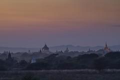 Dusk - Bagan (Captures.ch) Tags: clear klar sunset sonnenuntergang abend abenddämmerung dusk evening bagan burma birma myanmar aufnahme capture unesco baum forest gras hill himmel hügel landscape landschaft mountains berge sky stein stone tempel temple tree wald pagoda pagode