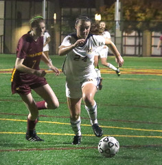 PM20181127-009.jpg (Menlo Photo Bank) Tags: 2018 photobypamtsomckenney action field soccer students girls people fall smallgroup upperschool event game sports menloschool atherton ca usa us