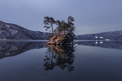 3192 (Keiichi T) Tags: 夜 夜景 空 木 tree 6d mountain 月明かり winter night 山 光 eos canon lake 湖 日本 snow リフレクション 水 冬 reflection japan moonlight light sky water