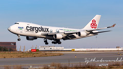 Cargolux Boeing B747-4R7F LX-ECV (SjPhotoworld) Tags: nederland holland netherlands maastrichtaachenairport mst maastricht ehbk airport airliner aviation aircraft airplane airline avgeek airliners airlines arrival boeing b747 b747400 b747f b747400f jumbo fr24 flickr flickrelite freighter final freight front flight luxemburg lxecv sealife sealifetrust special logojet logo cargo cargoplane cargoramp cargoline cargolux cargojet clx spotting transport travel taxiway heavy beluga whale grass sky cockpit