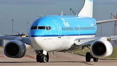 PH-BGL (AnDyMHoLdEn) Tags: klm 737 skyteam egcc airport manchester manchesterairport 23l
