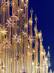 Buon Natale 2018 (Fil.ippo) Tags: christmas natale noel albero xmas merrychistmas buonnatale auguri greetings filippo filippobianchi duomo madonnina milano milan weihnachten tannenbaum nikon d610 bluehour stars light