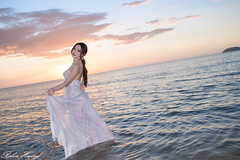 DSC_6258 (Robin Huang 35) Tags: 沙巴 馬來西亞 my 謝立琪 kiki sabah malaysia 亞庇 丹絨亞路 海灘 沙灘 海岸 海邊 夕陽 壓光 海邊壓光 夕陽壓光 裸紗 遊拍 人像 portrait lady girl nikon d850 beach