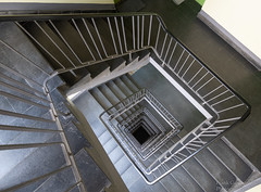 Staircase - Explored Mar 23, 2019 (Frank Guschmann) Tags: treppe treppenhaus staircase stairwell escaliers stairs stufen steps architektur frankguschmann nikond500 d500 nikon