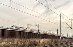 08_2019_02_13_Köln_Porz_Wahn_5407_005_DB_ICE ➡️ Flughafen_Koln_Bonn (ruhrpott.sprinter) Tags: ruhrpott sprinter deutschland germany allmangne nrw ruhrgebiet gelsenkirchen lokomotive locomotives eisenbahn railroad rail zug train reisezug passenger güter cargo freight fret köln porz wahn db eloc sbbc wirsch wlc 1216 3294 5407 6145 6185 6193 bonn ell ice lokzug himmel blau azur sonne gegenlicht outdoor logo natur