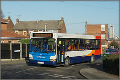 35185, Frobisher Road (Jason 87030) Tags: frobisherrd road estate admitals cement roadside sunny chips sausage jasmine rugby houses street dennis dart slf pointer stagecoach midlands 4 brownsover red white blue orange bus vehicle jan january 2019 recent today transport bush hedge image england uk