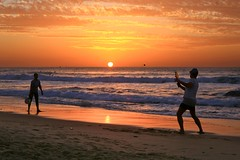 Playing Matkot at sunset -Tel-Aviv beach (Lior. L) Tags: playingmatkotatsunsettelavivbeach playing matkot sunset telaviv beach