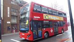 P1150555 VMH2581 LF19 FXE at Warren Street Station Hampstead Road Drummond Street Euston London (LJ61 GXN (was LK60 HPJ)) Tags: metroline metrolinewest volvob5lhybrid mcv evoseti mcvevoseti 105m 10490mm vmh2581 lf19fxe nb986