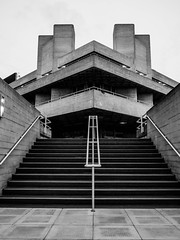 National theatre (E-J-R) Tags: londres uk brutal brutalism brutalist architecture concrete nb bw bnw