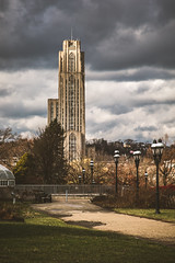 Oakland, Pittsburgh, PA (Piotr_PopUp) Tags: cathedraloflearning phippsconservatoryandbotanicalgardens oakland pittsburgh pa us usa unitedstates building buildings architecture vertical cityscape city