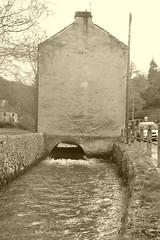 Brookside, Bradwell, Derbyshire (dave_attrill) Tags: brookside street brook bradwell derbyshire water cottage tunnel peakdistrict nationalpark hopevalley village historic cottages february 2019 winter sepia