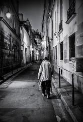 Paris, rue Aubriot (christiandumont) Tags: monochrome streetphotography streetphoto streetlife street blackandwhite blackwhite bw nb noiretblanc rue nuit night paris ruedeparis x100f fujifilm