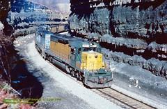 (SEE & HEAR)---CNW 6864 on the Monongahela Rwy, Rogersville, PA. 12-06-1990 (jackdk) Tags: train railroad railway locomotive emd emdsd40 emdsd402 emdgp40 emdgp402 sd40 sd402 gp40 gp402 cnw csx csxt chessie chessiesystem mga monongahela monongahelarailway coal coaltrain conrail rogersville rogersvillecut rogersvillepa chicagoandnorthwestern seeandhear seehear standardcab fallenflag wepx wepextrain wisconsonpoweer cnw6864 6864 csx6085 6085 chessie8259 8259 mga2304
