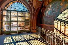 Basel, 1. November 2018 - Rathaus (karlheinz klingbeil) Tags: suisse gitter portal tor light schweiz zaun schatten switzerland stadt hdr licht shadow city basel kantonbaselstadt ch