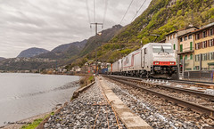 Doppia di 186 a Capolago (BR50 3673) Tags: ferroviadelgottardo ferroviesvizzere sbbcffffs railway intermodale trenimerci bahn lake lakelugano clouds bombardier landscape paesaggi capolago svizzera