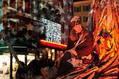 Les Flottins (joménager) Tags: lesflottins flash night evianlesbains nikonafs70200f28 nuit lefabuleuxvillage hautesavoie boisflotté évènementfête nikonpassion rhônealpes sculpture nikond3 thononlesbains france fr