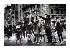 A Soapbox Opera... (michel di Méglio) Tags: marseille street rue savon soap children enfant bulles bubbles city