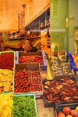 granny market (Vincenzo Elviretti) Tags: fruttivendolo fruit market greengrocer bru brunico bolzano provincia trento trentino alto adige sud tirol tirolo quasitaliani quasiaustriaci necarnenepesce montanari gente di montagna turismo apriportafogli