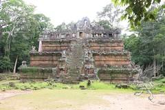 Angkor_Phimeanakas_2014_01