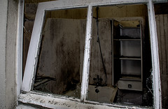 IMG_7286_01 (rogerloret) Tags: abandonned old bathroom