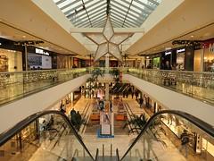 Gran Casa Centro Comercial de Zaragoza (joseange) Tags: centrocomercial tiendas grancasa zaragoza navidad noel perspectiva leica panasonic lx15 lx10 lumix simetría concordians