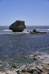 Mushroom Rock (Stueyman) Tags: sony a7 a7ii zeiss wa westernaustralia au australia rockingham capeperon perth sky water indianocean sea ocean za 55mm