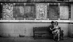 Pelando la pava (Fotgrafo-robby25) Tags: byn gente sonyilce7rm3 streetphotography