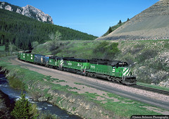 Beautiful Day in Bozeman Canyon (jamesbelmont) Tags: burlingtonnorthern northernpacific montana bozemancanyon trailcreek bozemanpass emd sd402 gp9 ge b307ab interstate90 railroad railway train locomotive