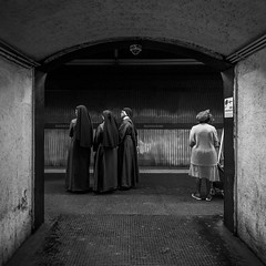 3+1 waiting for the next train (Blende1.8) Tags: rome rom people street candid urban subway metro nun nuns woman women menschen station subwaystation metrostop italy italien italia human public roma leute underground nikon d700 nonne nonnen