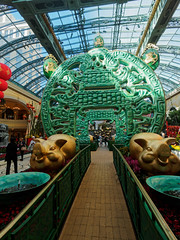 Giant coin walkway with golden pigs (wirehead) Tags: em5mk2 918mm lasvegas venetian vacation travel pig