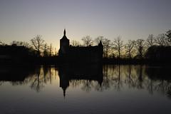 Castle van Horst (Theo Bauhuis) Tags: belgië holsbeek kasteel kasteelvanhorst zonnig leuven sintpietersrode vlaanderen flanders belgium castle reflection spiegeling